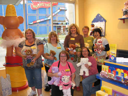 Aren't they lovely?  The bears are nice too!  Front - Tacey and Rose  Rear - Sheryl, Kellie, Joan, Carol and Masayo